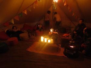 大型テントは20名は寝れそうです