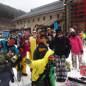 スキー&スノーボードツアー/社会人サークルNutsbery